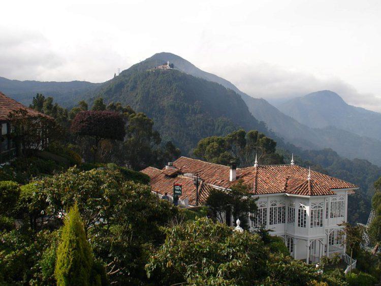Гора Монсеррат - достопримечательности Колумбии