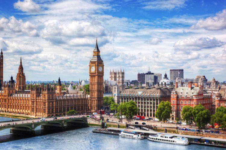 Лондонский Биг-Бен - достопримечательности в Англии