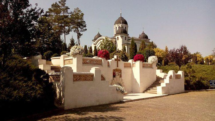 Монастырь Курки - достопримечательности Молдавии