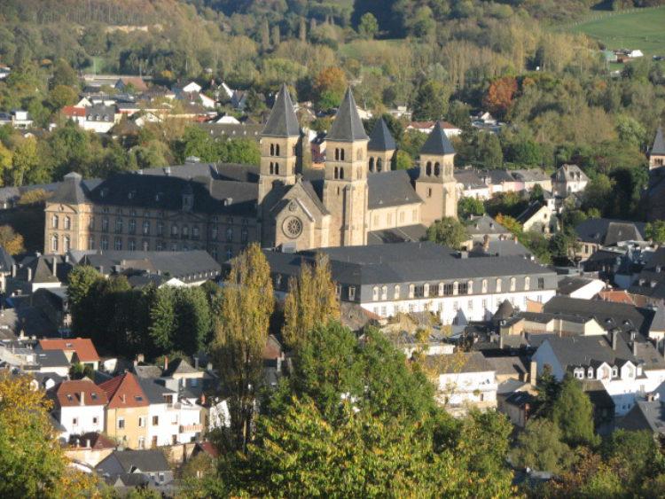 Аббатство Эхтернах - достопримечательности Люксембурга
