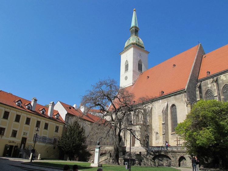 Собор Святого Мартина (Братислава) - Что посмотреть в Словакии