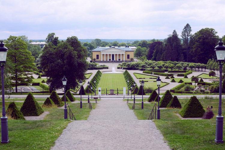 Сад Карла Линнея - достопримечательности Швеции