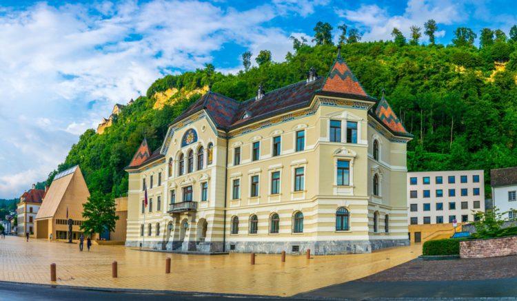 Дом Правительства - достопримечательности Лихтенштейна