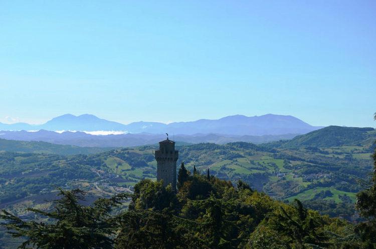 Башня Монтале - достопримечательности Сан-Марино