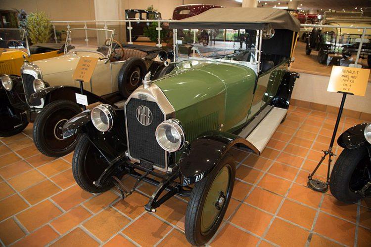Музей старинных автомобилей - достопримечательности Монако