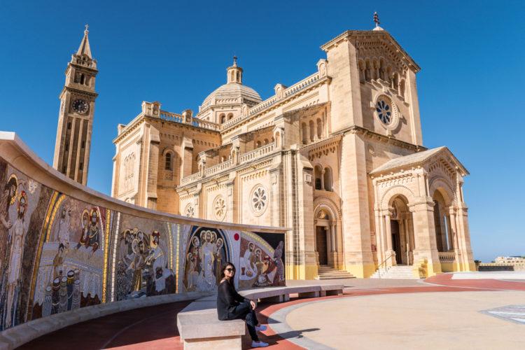 Базилика Девы Марии Та-Пину - достопримечательности Мальты