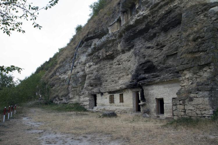 Монастырь Цыпова - достопримечательности Молдавии