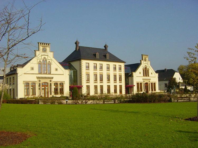 Мамерский замок - достопримечательности Люксенбурга