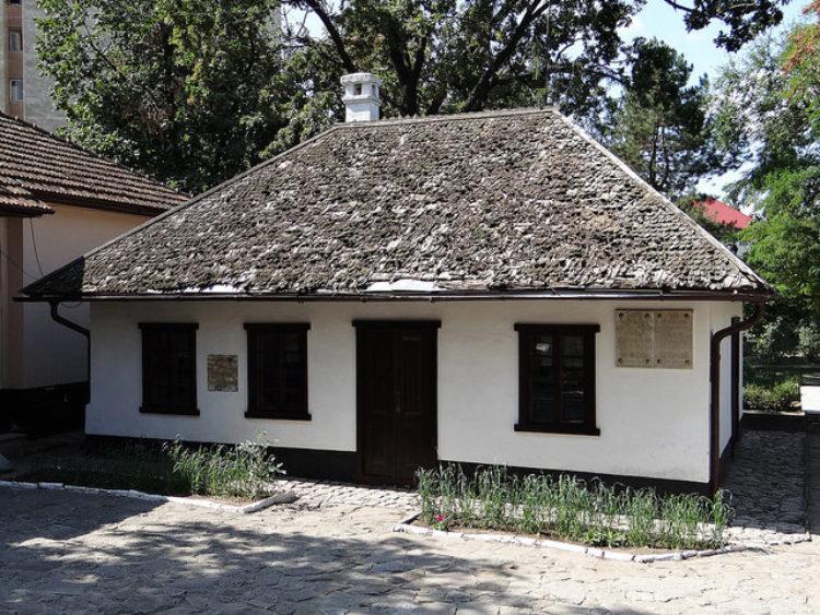 Дом-музей Пушкина в Кишинёве - достопримечательности Молдавии