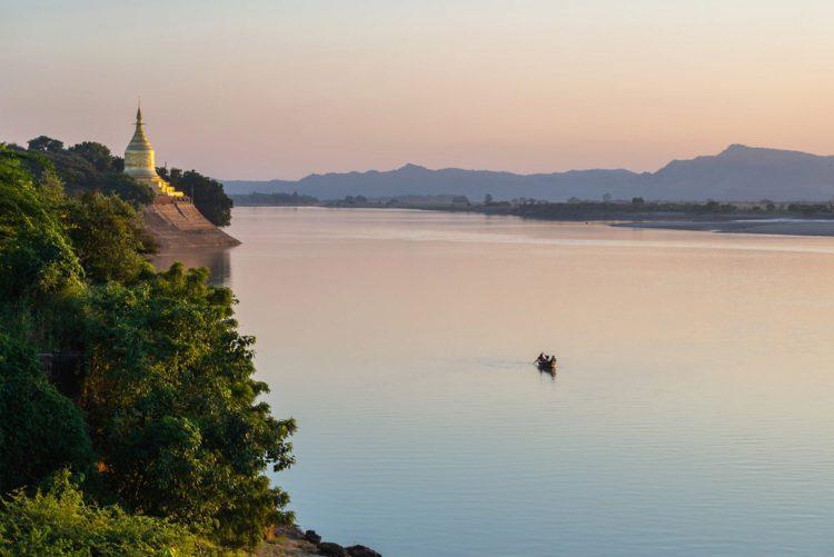 Река Иравади - достопримечательности Мьянмы