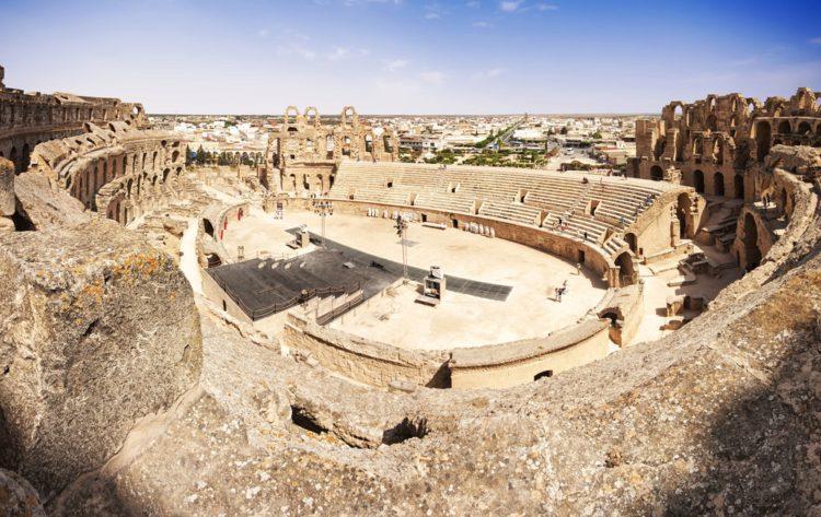 Амфитеатр в Эль-Джеме - достопримечательности Туниса