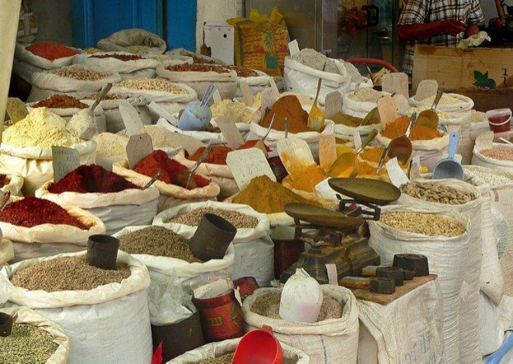 Рынок Сук эль-Джума - достопримечательности Туниса