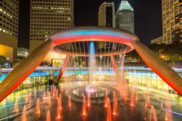 Фонтан Богатства - достопримечательности Сингапура