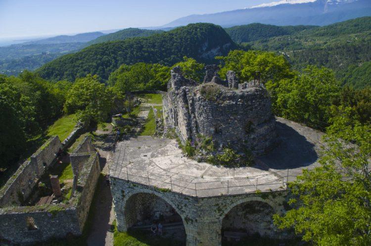 Анакопийская крепость - достопримечательности Абхазии