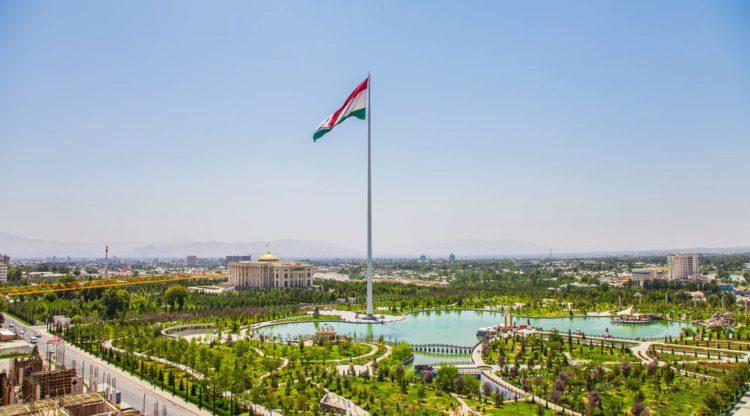 Флагшток Душанбе - достопримечательности Таджикистана