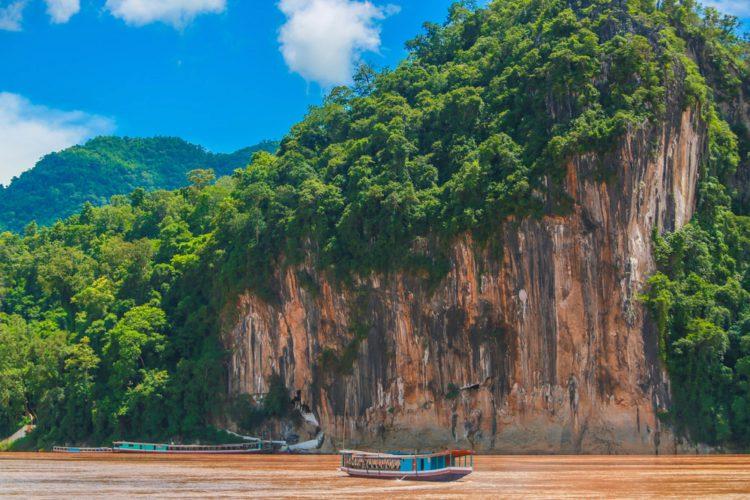 Пещеры Пак Оу - достопримечательности Лаоса