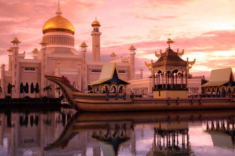 Мечеть Омара Али Сайфуддина - достопримечательности Брунея