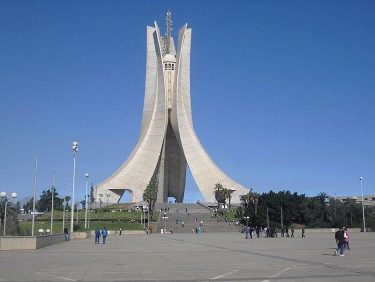Памятник славы и мученичества - достопримечательности Алжира