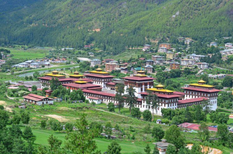 Монастырь Траши-Чхо-Дзонг - достопримечательности Бутана
