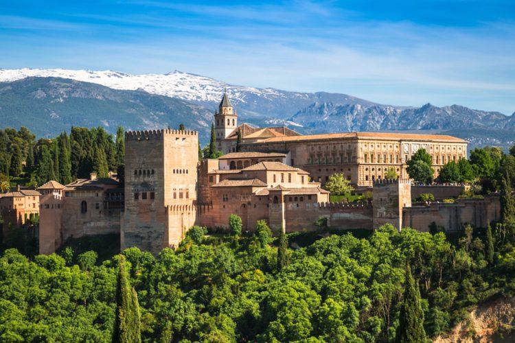Альгамбра - достопримечательности Гранады