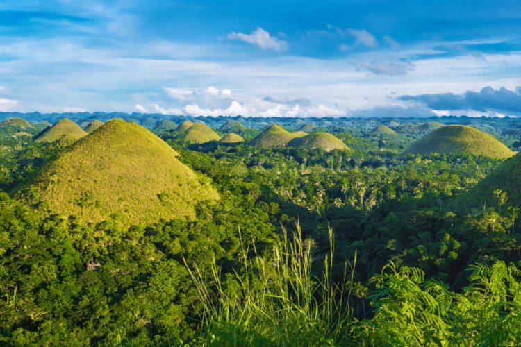 Шоколадные Холмы - достопримечательности Филиппин