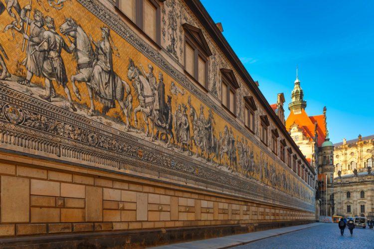 Панно «Шествие князей» - достопримечательности Дрездена