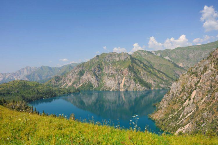 Озеро Сары-Челек - достопримечательности Киргизии