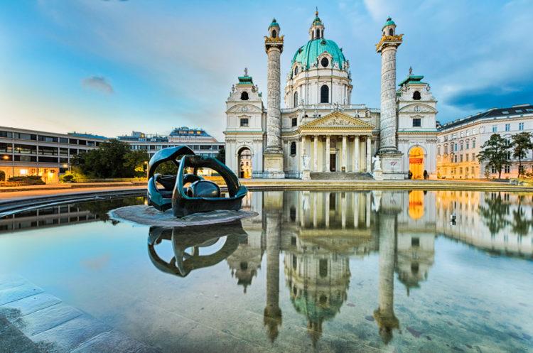 Церковь Карлскирхе - достопримечательности Вены
