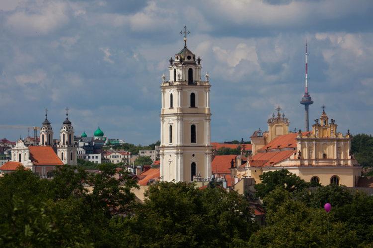 Костёл Святых Иоаннов - достопримечательности Вильнюса