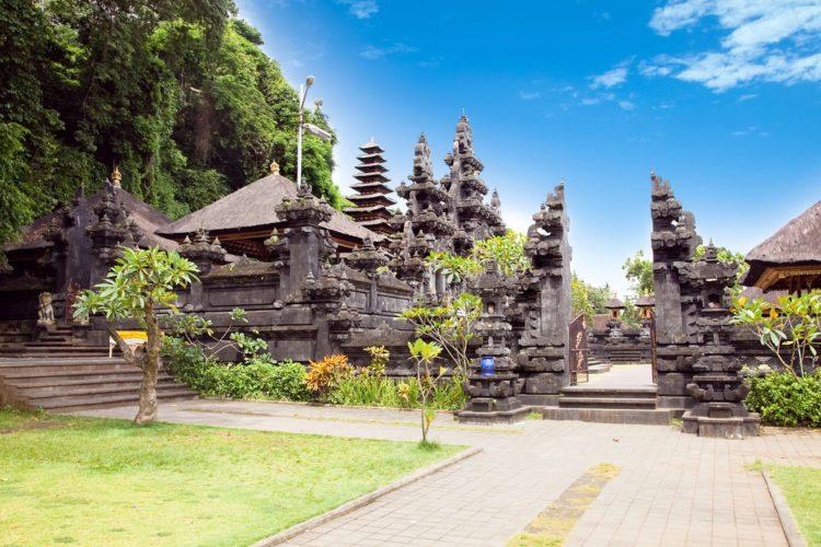 Пещера летучих мышей — Гоа Лавах - достопримечательности Бали
