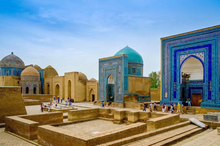Памятник архитектуры Шахи Зинда - достопримечательности Узбекистана
