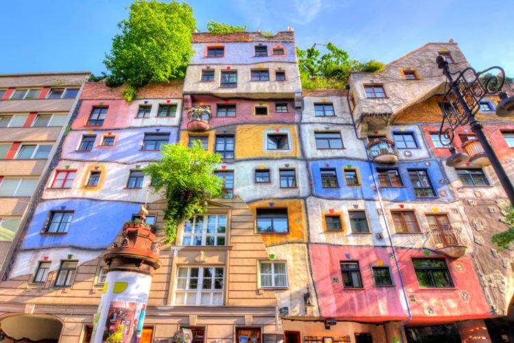 Дом Хундертвассера - достопримечательности Вены