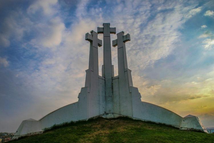 Религиозный монумент Три креста - достопримечательности Вильнюса
