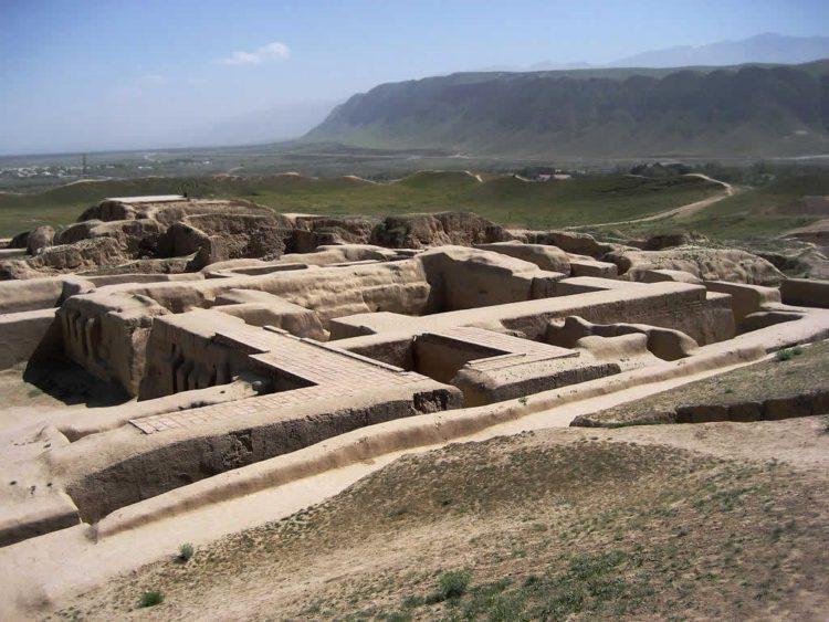 Древний город Ниса - достопримечательности Туркмении