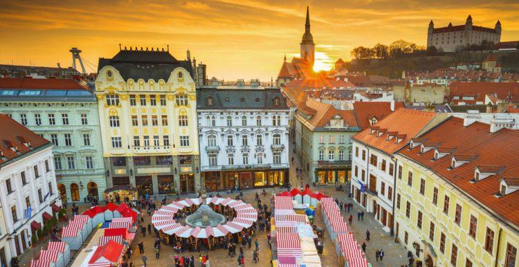Главная площадь - достопримечательности Братиславы