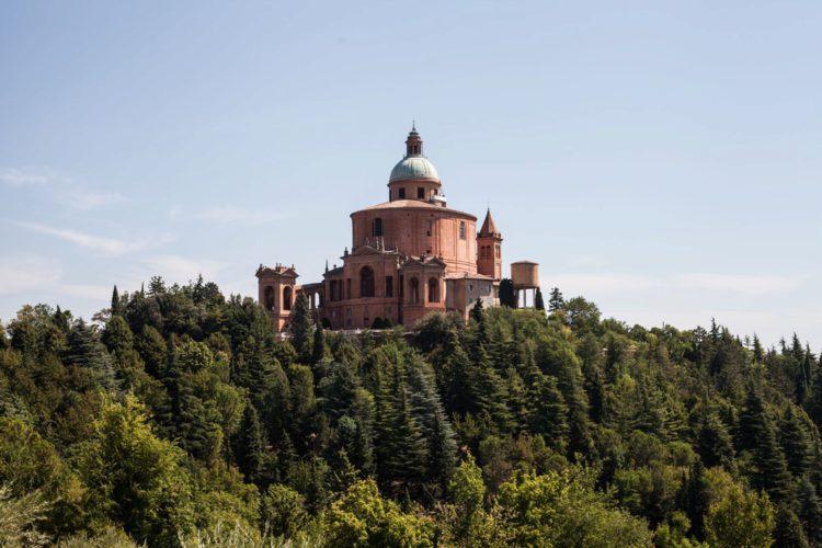 Церковь Мадонна-ди-Сан-Лука - достопримечательности Болоньи