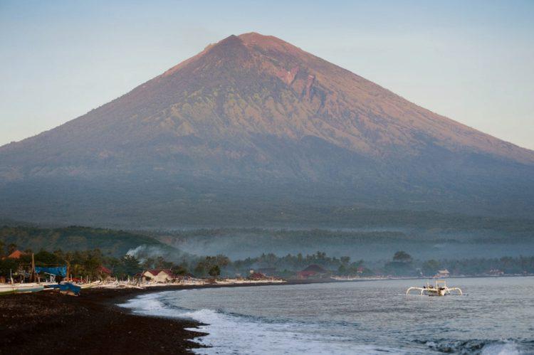 Вулкан Агунг - достопримечательности Бали