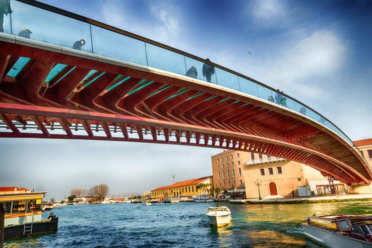 Мост Конституции - достопримечательности Венеции