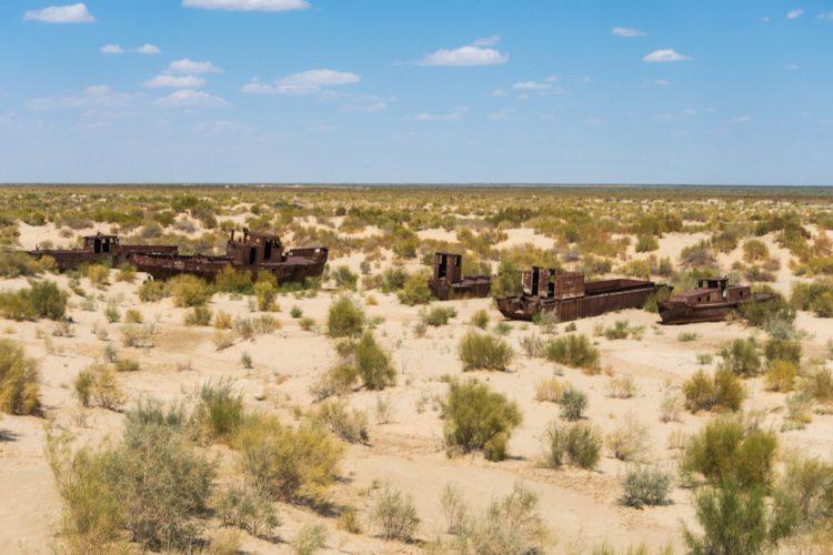 Кладбище кораблей в Муйнаке - что посмотреть в Узбекистане