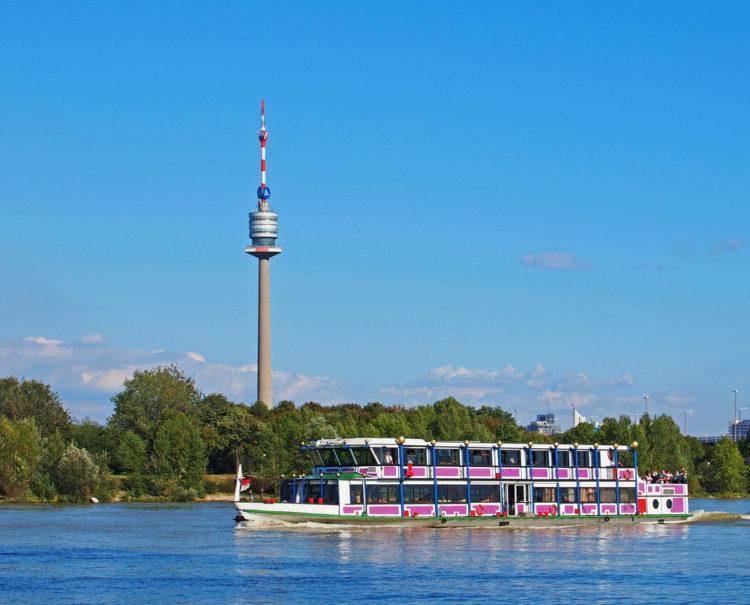 Дунайская башня - достопримечательности Вены