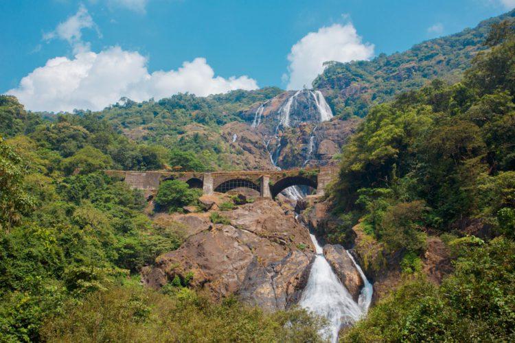 Водопад Дудхсагар - достопримечательности Гоа