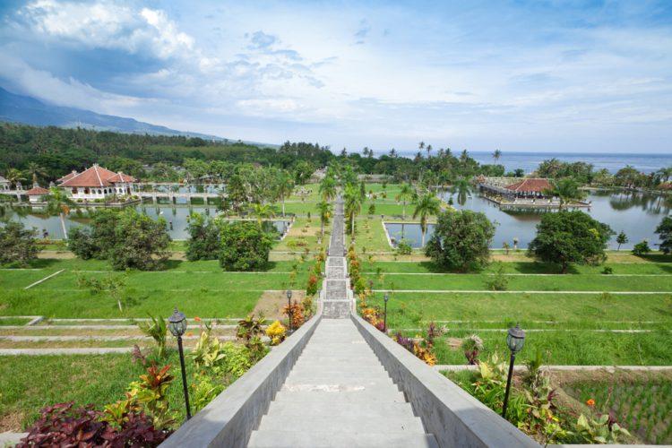 Водный дворец Уджунг - достопримечательности Бали