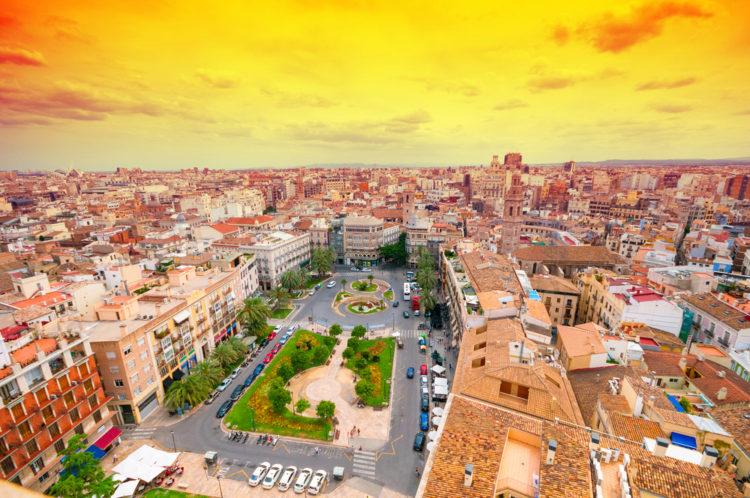 Площадь Королевы - достопримечательности Валенсии