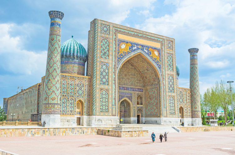 Площадь Регистан в Самарканде - достопримечательности Узбекистана