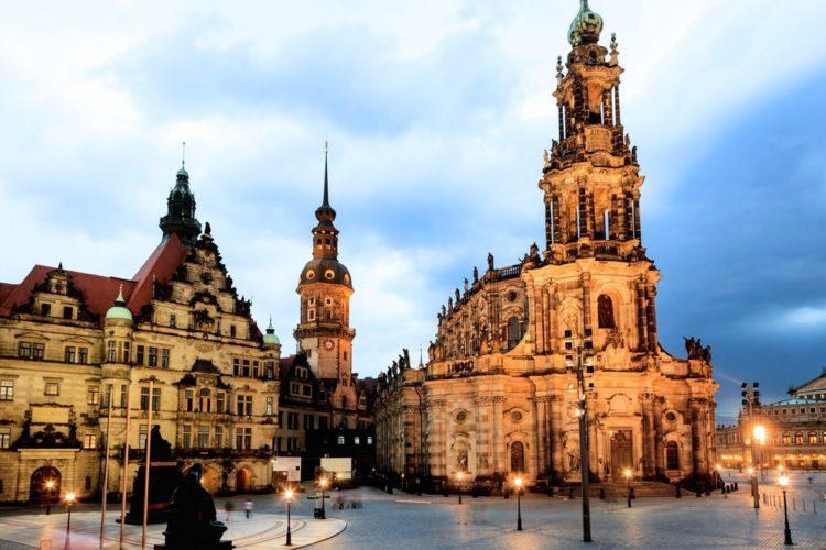 Кройцкирхе — Церковь Святого Креста - достопримечательности Дрездена