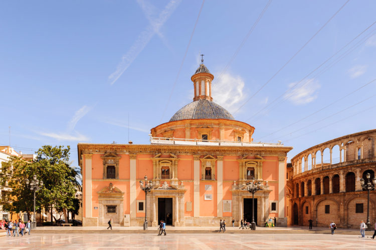 Храм Девы Марии Защитницы Обездоленных - достопримечательности Валенсии