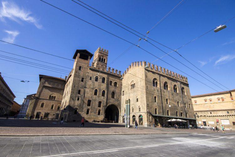 Палаццо Рэ Энцо - достопримечательности Болоньи