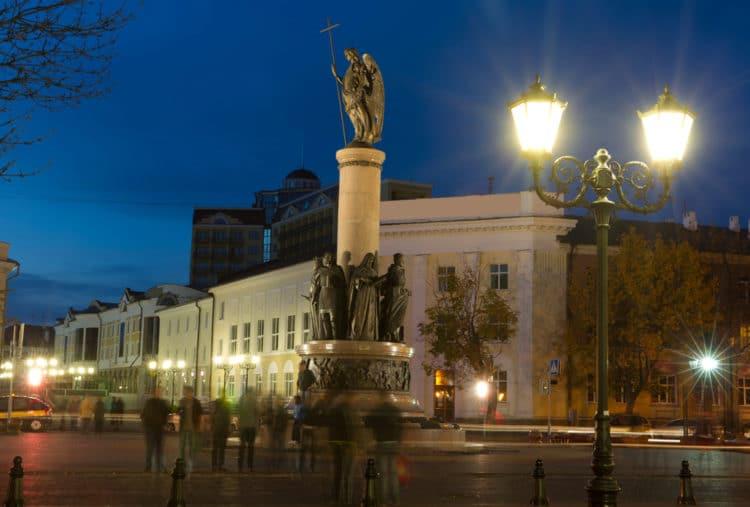 Памятник Тысячелетия Бреста - достопримечательности Бреста