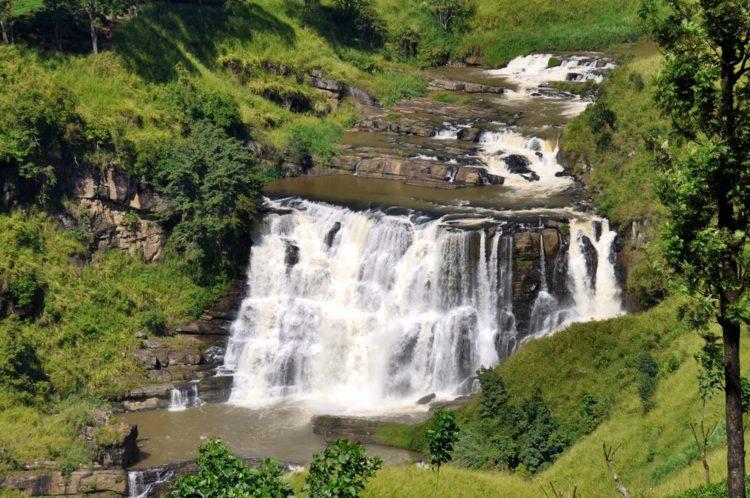 Водопад Сент-Клер (St. Clair's Falls) - достопримечательности Шри-Ланки