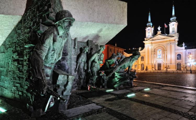 Памятник Варшавскому восстанию - достопримечательности Варшавы